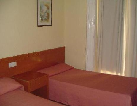 Hostal Equity Point Madrid  madrid