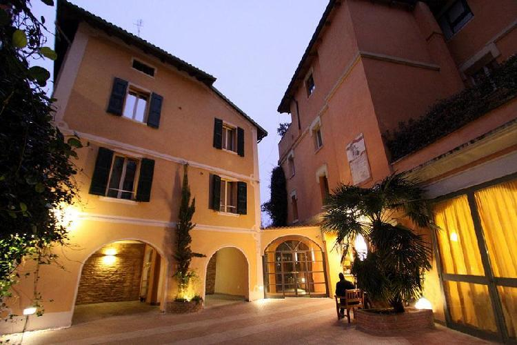 Boutique hotel il guercino bologna for Boutique hotels italy