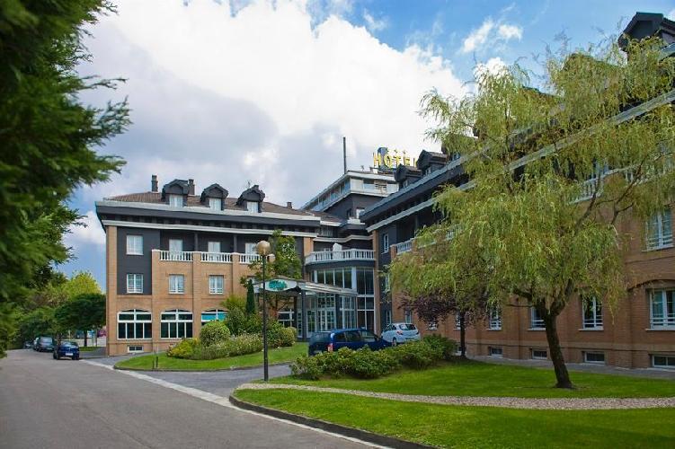 Hotel urdanibia park irun for Hoteles con habitaciones familiares en san sebastian