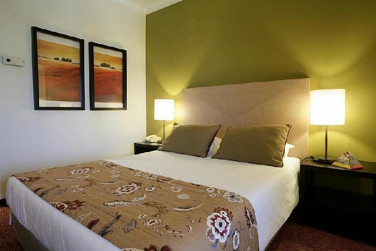hotel evora evora. Black Bedroom Furniture Sets. Home Design Ideas