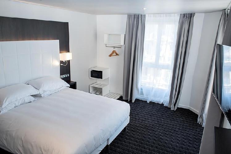 hotel 64 nice niza. Black Bedroom Furniture Sets. Home Design Ideas