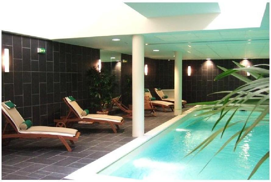 H tel bw amiral paris for Piscine quartier latin