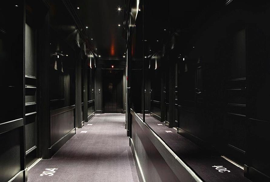 first hotel paris tour eiffel paris. Black Bedroom Furniture Sets. Home Design Ideas