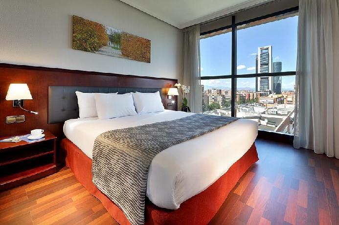 hotel exe plaza paseo de la castellana madrid